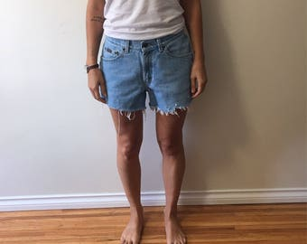 SALE Vtg high waisted distressed Riders denim cut off shorts size 28