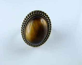 Cabochon Tiger eye and bronze ring