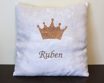 cushion 30 x 30 white linen with appliqué Crown and name embroidered