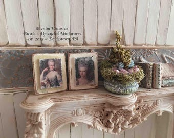 Miniature Marie Antionette Sign ~ Set of 2 ~ 1:12 Scale