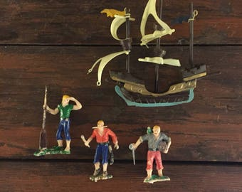Ship and Pirates Cake Topper / Vintage Party Supplies / Wilton Cake Decoration / Birthday Celebration / Made in Hong Kong