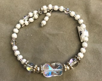 White Glass Bead Bracelet, White Wrap Bracelet, Crystal Memory Wire Bracelet, Women's Bracelet, Stackable Bracelet, handmade bracelets