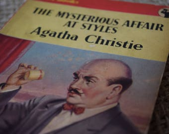 The Mysterious Affair At Styles. Agatha Christie. Hercule Poirot Number 1 One. Pan Books. A vintage Paperback Book. 1954