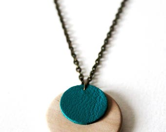 Necklace ° ° ° ° Turquoise leather wood necklace