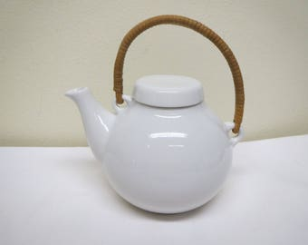 Arabia Finland, Small Tea Pot, Designed by Ulla Procope