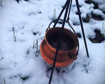 Copper witch cauldron // vintage // gift