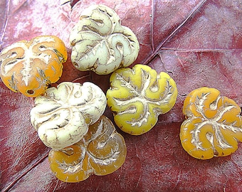 to enter! vintage style! 10 beads in shades yellow-orange - small leaf finish 13 mm antique gold