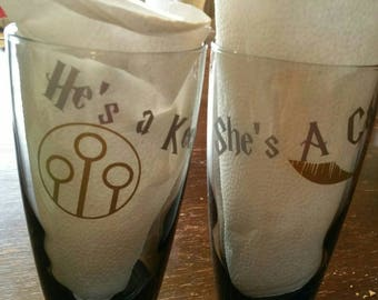 He's a keeper, She's a catch set of glass tumblers. Harry Potter tumblers! Wedding cups, Harry Potter love cups. Harry Potter Kitchen