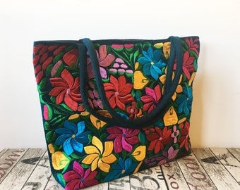 XL GREEN EMBROiDERED MEXiCAN BAG, Made in Chiapas