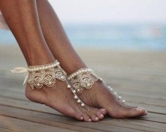 Danse des perles avec des sandales aux pieds nus de la plage de mariage guipure froufrous, bracelet, bracelet de cheville de mariage, chaussures nue, boho sandale, manchette