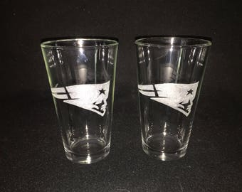 2 Hand Etched New England Patriots Pint Glasses!
