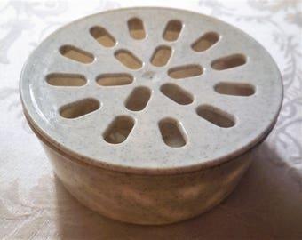 Vintage Soap Dish Holder Tray Plastic Light Gray Color Bath & Body Home Decor Bathroom Toiletries