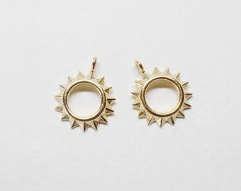 P0682/Anti-Tarnished Matte Gold Plating Over Brass/Sun Pendant/13x15.5mm/2pcs