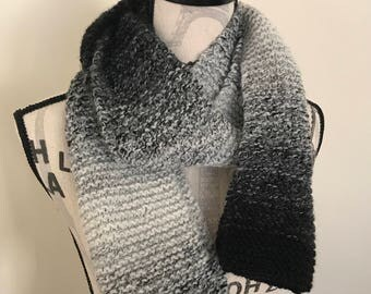 Black & white wool hand-knit scarf