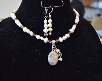 Laguna lace, amethyst and pearl necklace