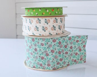 Vintage  Craft and Floral WFR Fabric Ribbon Spool-Turquiose and Pink Flowers-Green-Cream-Floral-Lot