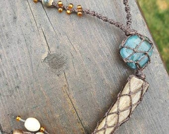 Deer antler and agate macrame wrapped necklace