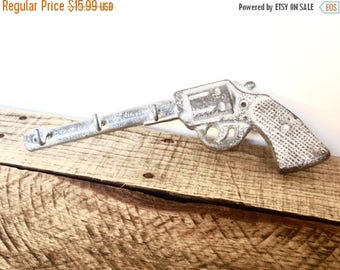 ON SALE Silver Gun Key Hook - Hunting Decor - Wall Key Holder - Entryway Wall Hooks - Gun Decor - Wall Necklace Holder - Cast Iron Hooks - G