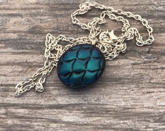Dragon Egg Pendant. Dragon Scales. Mermaid Scales Necklace. Color Changing. Polymer Clay. Magical. Fantasy. Dragon Skin.
