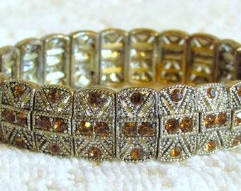 Beautiful Vintage Silver Tone Amber Stone Stretch Bracelet