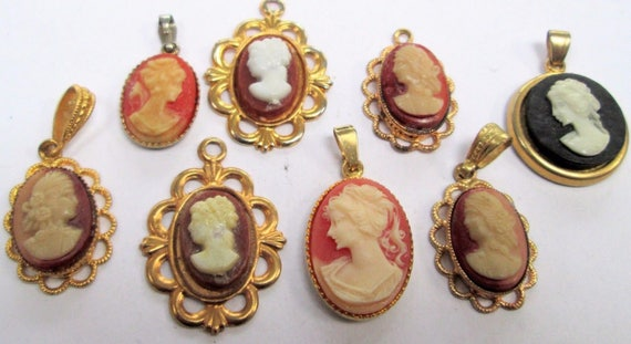 Beautiful collection 8 vintage gold metal & cameo pendants