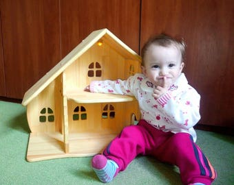 Small Wooden dollhouse *without furniture* . illuminated dollhouse. Montessori waldorf. wooden toy, multi-storey house, apartments for toys