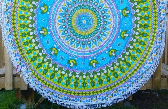 Vibrant Daisy Mandala Round Throw/ yoga mat /dining table cover /couch throw /wall tapestry beach throw towel/ bohemian hippie picnic throw