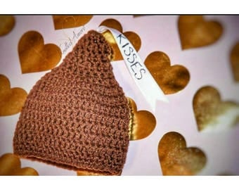 Crochet hersey kisses hat, photo prop, valentines day hat, newborn hersey hat, kisses hat, unisex newborn hat, crochet baby hat, baby gift