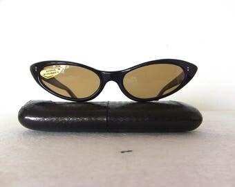 Cat Eye Sunglasses True Vintage 1960's Brown FREE SHIPPING Medium Size Women Her Lady Woman Rockabilly Pin Up