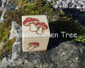 Handcrafted Wood Box - Toadstool - Pyrography