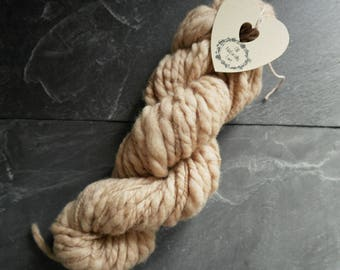 Merino slubed yarn naturally dyed.