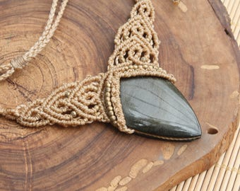 Macrame necklace with stone Obsidian gold.