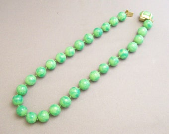 TRIFARI  GORGEOUS  Green  Glass  Choker  Necklace