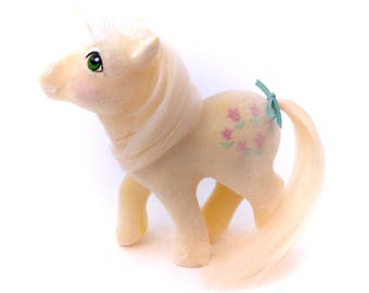 G1 My Little Pony So Soft Posey 1984 MLP Vintage Original Earth Ponies Flocked Hasbro Yellow Tulip Flower Floral Sunshine Yellow Daisy 80s