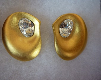 Vintage Retro Modernist Signed Lee Wolfe Clip On Earrings Gold Tone Rhinestone