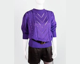 Laun of purple crochet sweater with round collar M