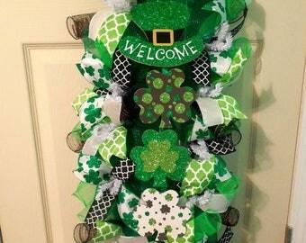 XMAS in JULY SALE-15%off St. Patricks Day Swag / St. Patricks Swag/ St. Patricks Day Wreath/St. Patricks Vertical Wreath/ Shamrock Wreath/Gr