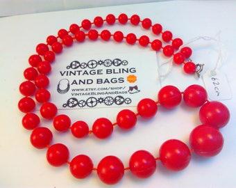 62cm vintage 1980s, necklace, 80s necklace, graduated bead necklace, vintage red necklace, vintage necklace, necklace, vintage bead necklace