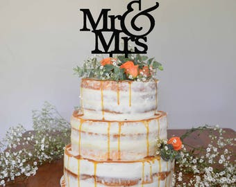Mr & Mrs cake topper / wedding / engagement / party