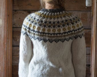 Icelandic wool sweater - Lopapeysa - Traditional