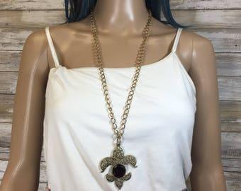 Vintage Fleur De Lis red crystal cabochon pendant necklace