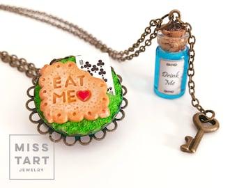 Alice in Wonderland Bff Necklace Cookie - Tea party- Drink me - Eat me