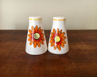 Vintage japan salt and pepper shakers retro orange floral flower