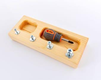 Graded Montessori screw board (cross)