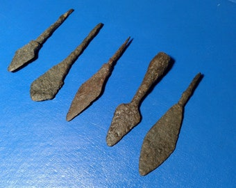 Ancient Arrowheads 5 pieces.