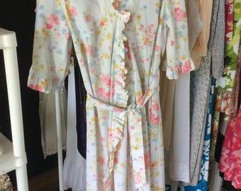 "Vintage Pure Cotton Robe, Floral, ""Hilton of London"" Tag, Pristine Condition!"