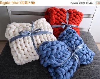 SALE Chunky Knit Blanket, Blanket, Super Chunky Blanket, Giant knit blanket, Thick yarn blanket Bulky Knit Merino wool Arm knitting Valentin