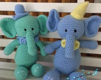 Blue elephant crocheted. Amigurumi acrylic.