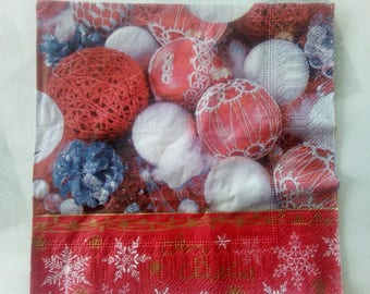 set of 2 paper napkins red and White Christmas balls