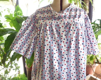Short sleeve cotton shirt White red and Navy polka dots